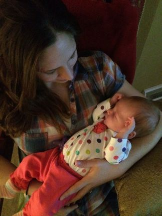 mom-daughter-new-years